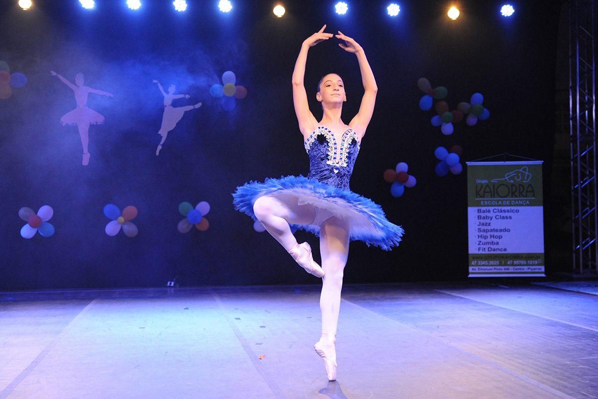 Apresentação de danças – grupo Kaiorra (Piçarras)