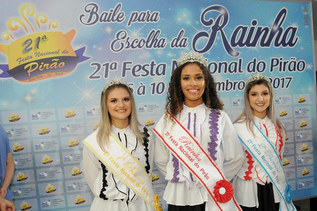 Barra Velha – Thauana Volkman é eleita rainha da 21ª Festa Nacional do Pirão