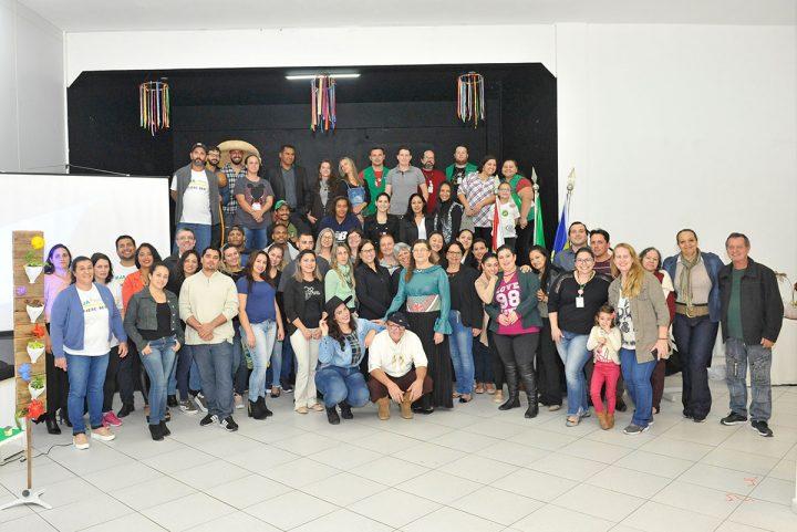 Exposição de trabalhos escolares – EJA FIESC/SESI (Piçarras)