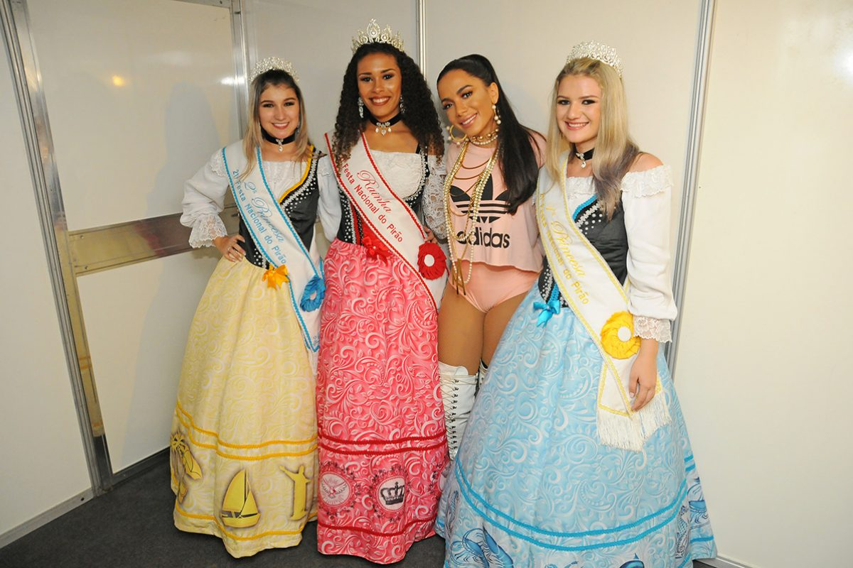 21ª Festa Nacional do Pirão – Barra Velha – Anitta