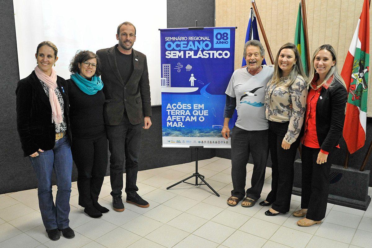 """Seminário """"Oceano sem plástico"""" (Piçarras)"""