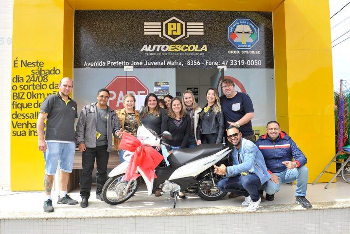 Sorteio moto biz 0km – PJ Autoescola – Gravatá (Navegantes)